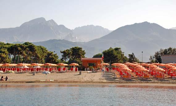 Residence Lilly Mare dispone di Spiaggia Privata a Marina di Massa