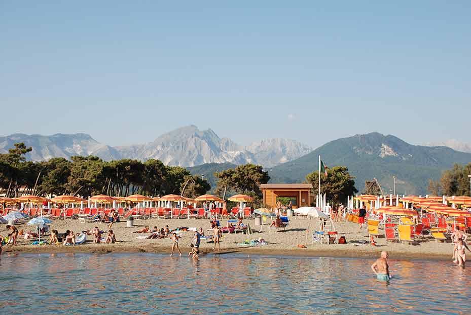 Matrimonio Spiaggia Marina Di Massa : Spiaggia privata marina di massa residence lilly mare